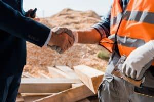 הסכם עבודה עם קבלן שלד עורך דין עמית סלע