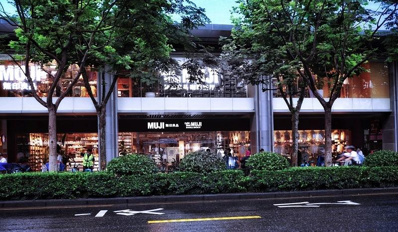 חוזה שכירות לעסק במתחם קניות - עורך דין עמית סלע